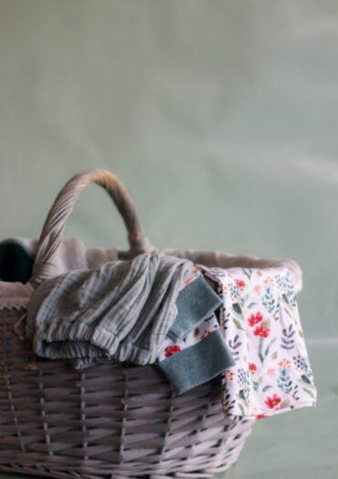 Selbstgenähte Baby- und Kinderkleidung kaufen im Onlineshop von GROW & FLY