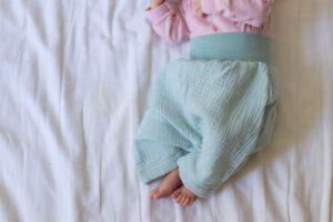 Musselin Hose Baby Kinder handgemacht GROW & FLY