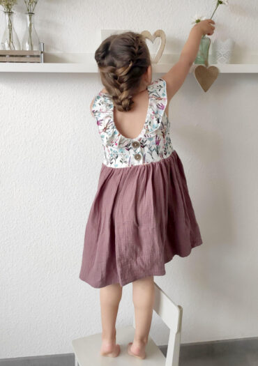 Kleid Musselin handmade selbstgenäht Kinder Baby GROW & FLY